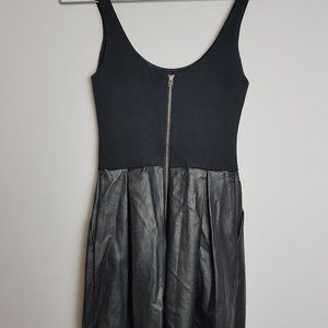Aritzia Dresses - Aritzia Wilfred Black Leather Skirt Pompe Dress 00